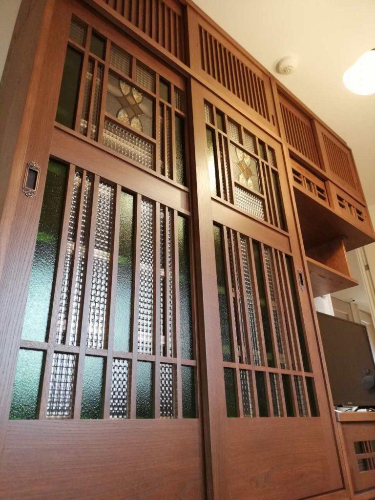 ステンドグラス仕様した収納家具