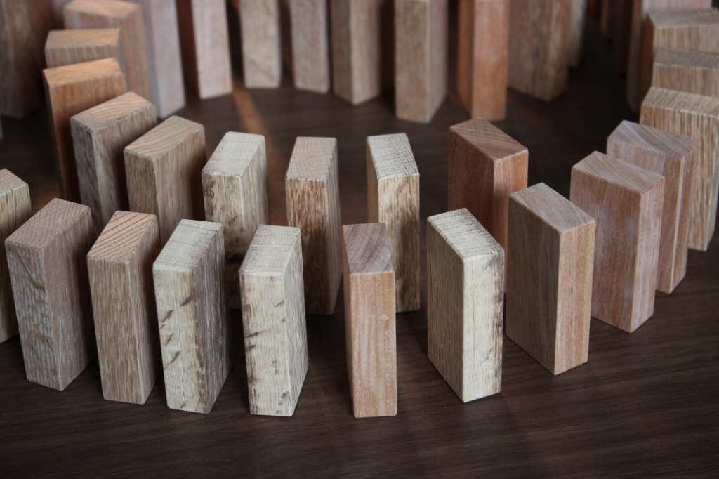 工房に有る木材は様々ですが、今回はナラ、カバで製作しました