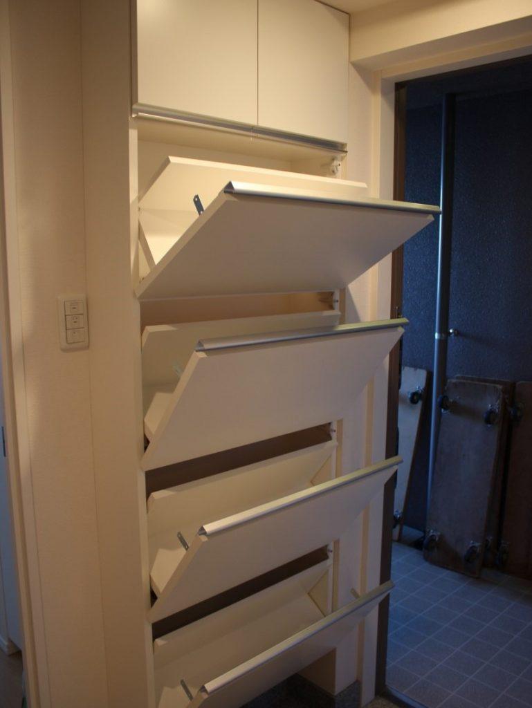 玄関収納家具、アングルを変えて壁面靴入れ収納家具