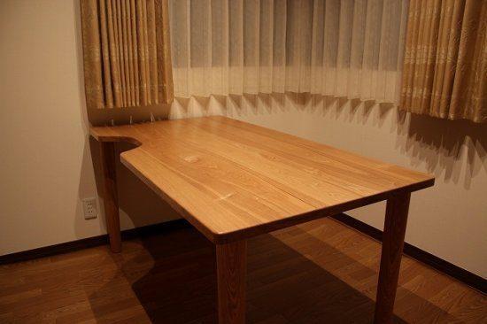車椅子対応のテーブル