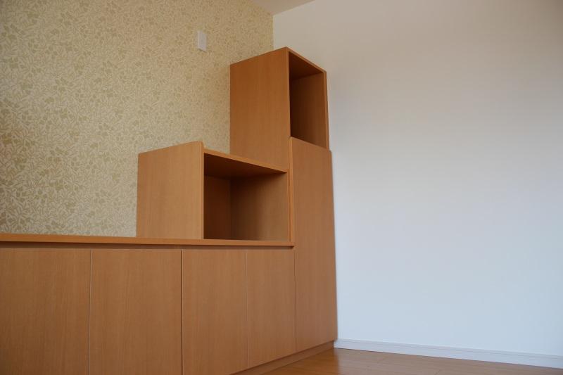贅沢な空間を楽しめます。リビング飾り棚