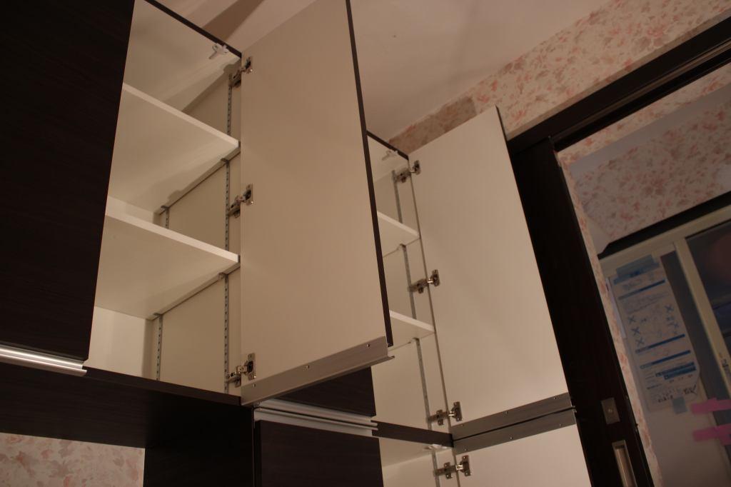 洗面所収納家具内部の様子