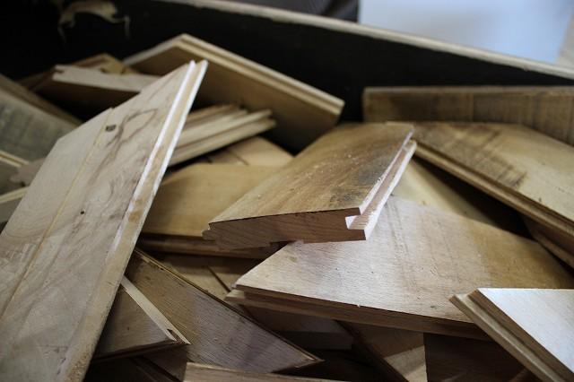 オーク材の薪